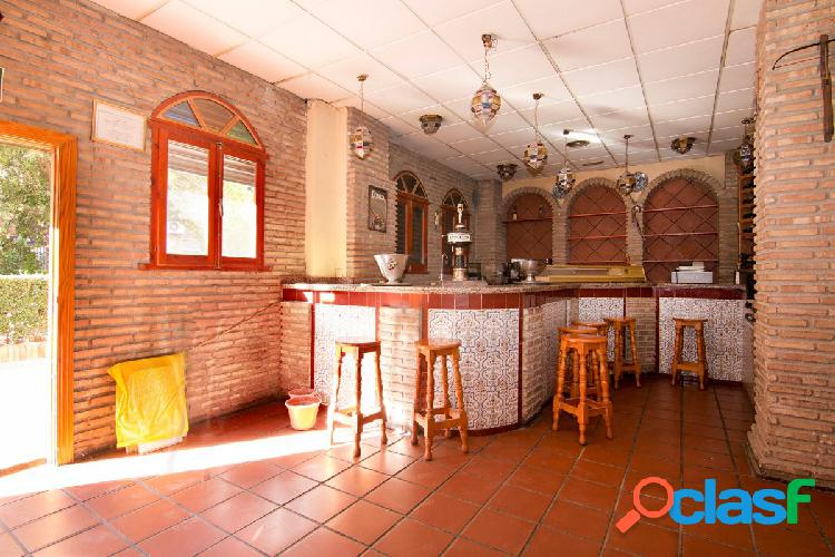 Local en venta con licencia de bar con cocina. Granada centro - Arabial. Gran bajada de precio
