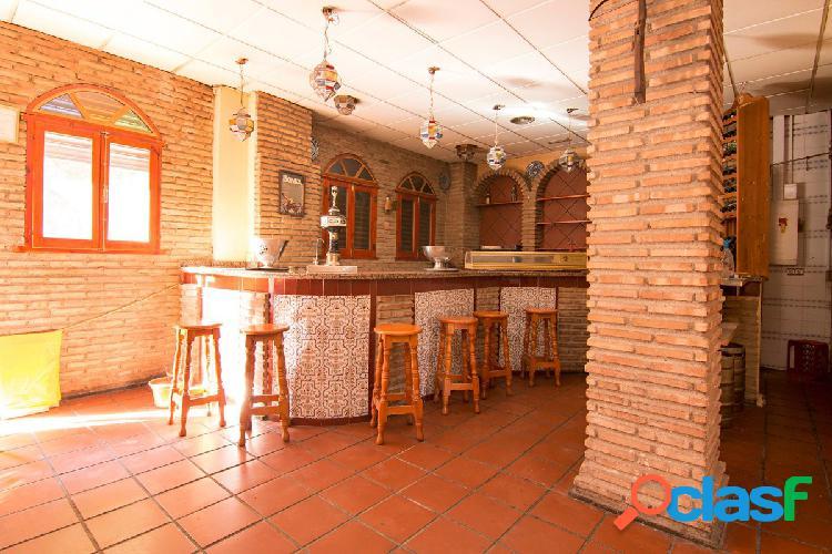Local en venta con licencia de bar con cocina. Granada centro - Arabial. Gran bajada de precio 1
