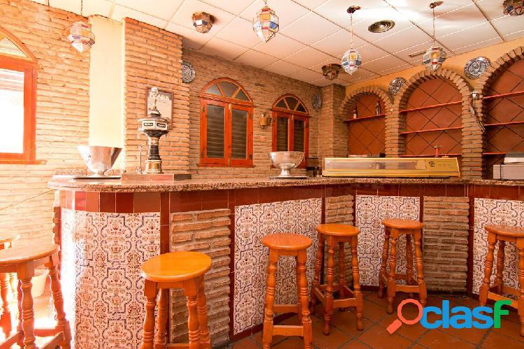 Local en venta con licencia de bar con cocina. Granada centro - Arabial. Gran bajada de precio 2
