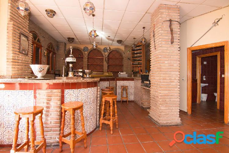 Local en venta con licencia de bar con cocina. Granada centro - Arabial. Gran bajada de precio 3