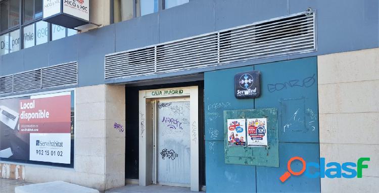 Local comercial frente a la estación de renfe anterior sucursal bancaria