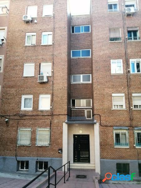Piso en venta en madrid. zona pueblo nuevo