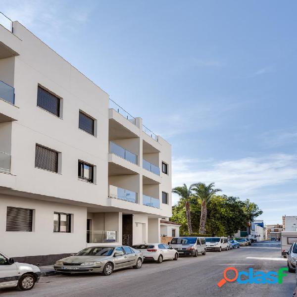 Edificio en Bigastro con amplios apartamentos amueblados con parking y solárium 2