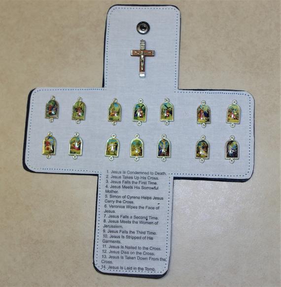 Estaciones del oratorio de bolsillo de la cruz - siguiendo