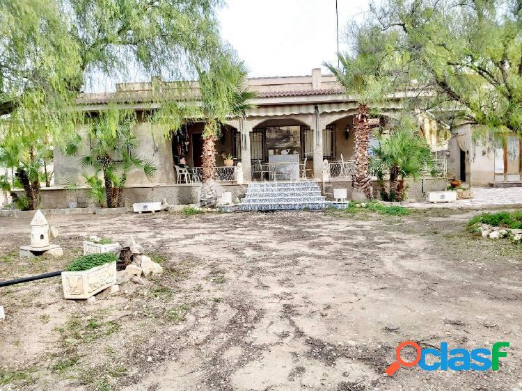 Inmobiliaria san jose vende chalet con 2 construcciones para reformar en aspe
