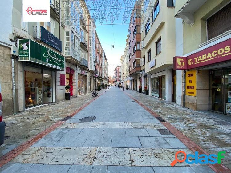 Local comercial en la c/ moneda, la zona más concurrida de burgos.