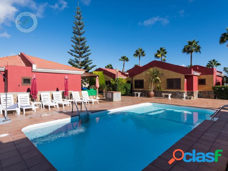 Bonito bungalow con wifi y piscina comunitaria