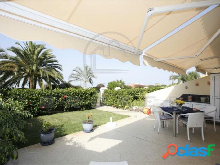 Apartamento lujo, 2 dormitorios, piscina climatizada, garaje