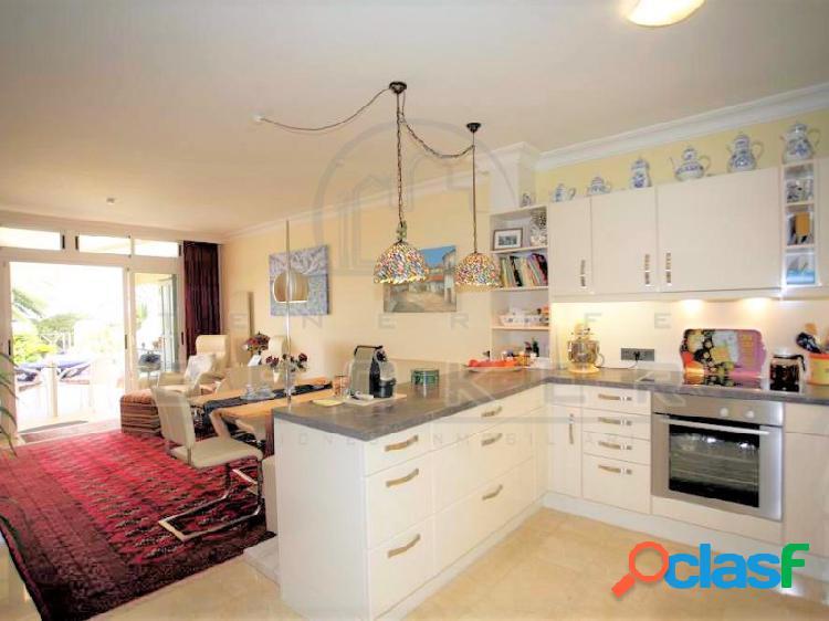 Apartamento lujo, 2 dormitorios, piscina climatizada, garaje 2