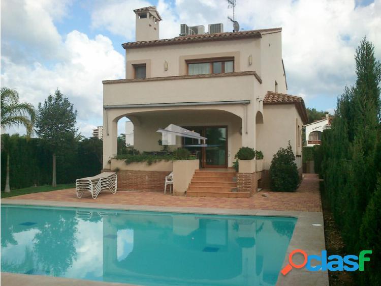 Villa mediterránea de 5 habitaciones en venta en denia