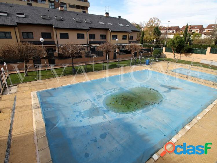 Chalet de 4 plantas en rivas vaciamadrid, en zona privada y amplias estancias.