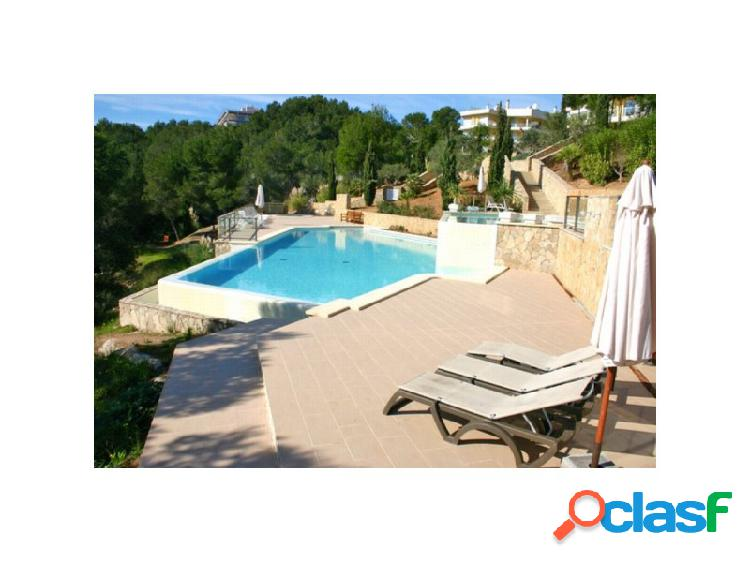 Mallorca next properties - luxury duplex apartment with garden and views to the bay of palma.