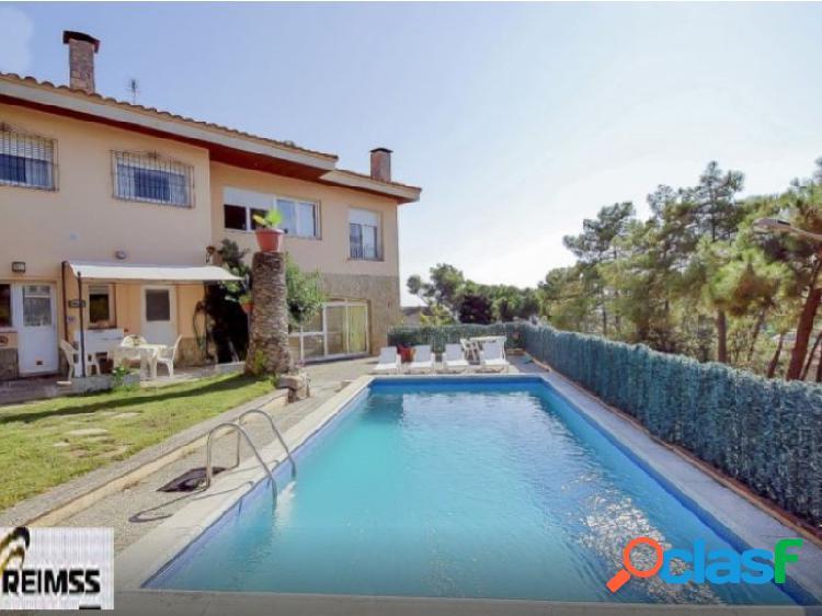 Lloret de mar: gran casa / villa con piscina privada y vistas al mar. costa brava, españa.