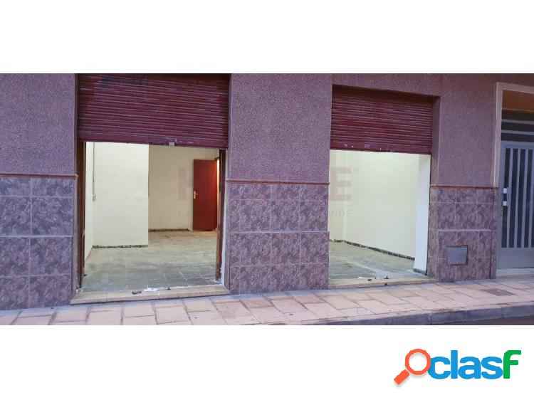 Local 34 m2. precio alquiler 200 euros.