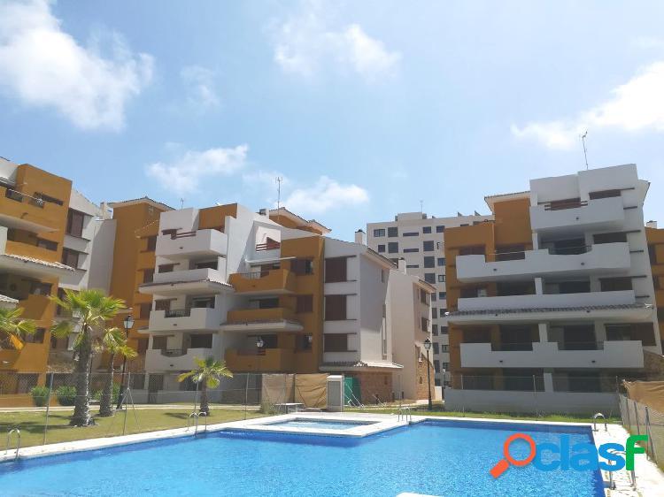 Apartamento contemporáneo con vistas al mar en punta prima 2412an
