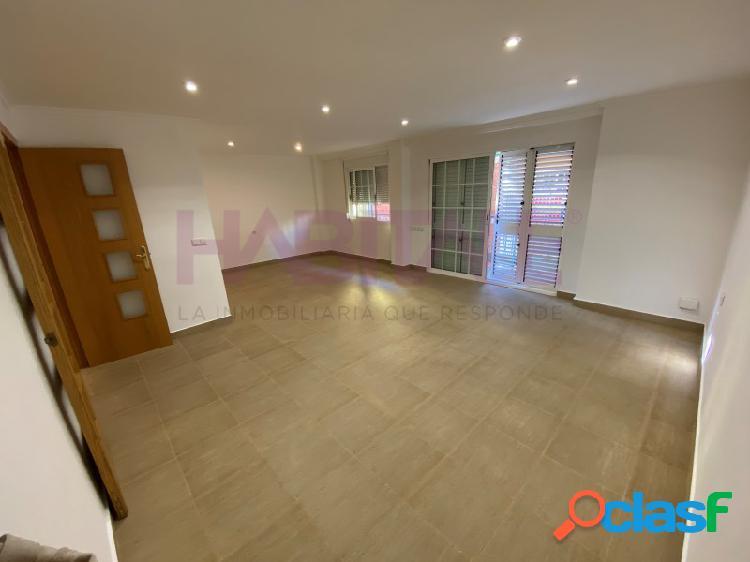 *** estupendo piso en centro de paterna ***