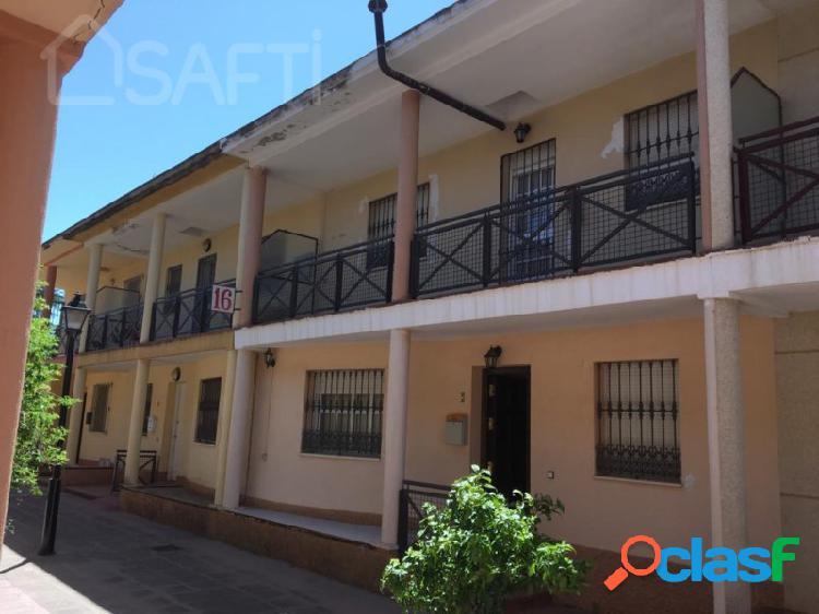 Casa adosada de 140m², 3 habitaciones 2 baños