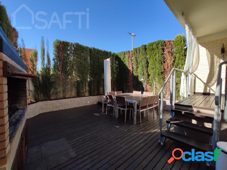 Casa adosada en Alicante Golf, 5 habitaciones, 3 baños 291m² 2
