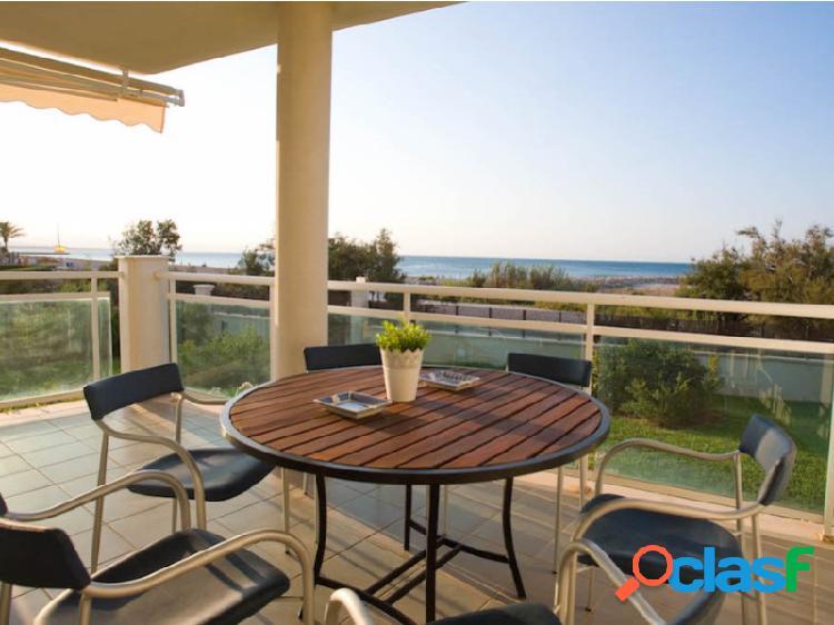 Exclusivo apartamento con vistas panorámicas al mar