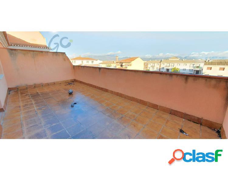 Gc pone a la venta una promoción de viviendas dúplex con garaje y trastero en urbanización privada en cijuela,situado a solo 20 km del centro de granada.