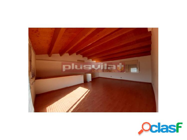 Casa adosada en venta el plá del penedes.