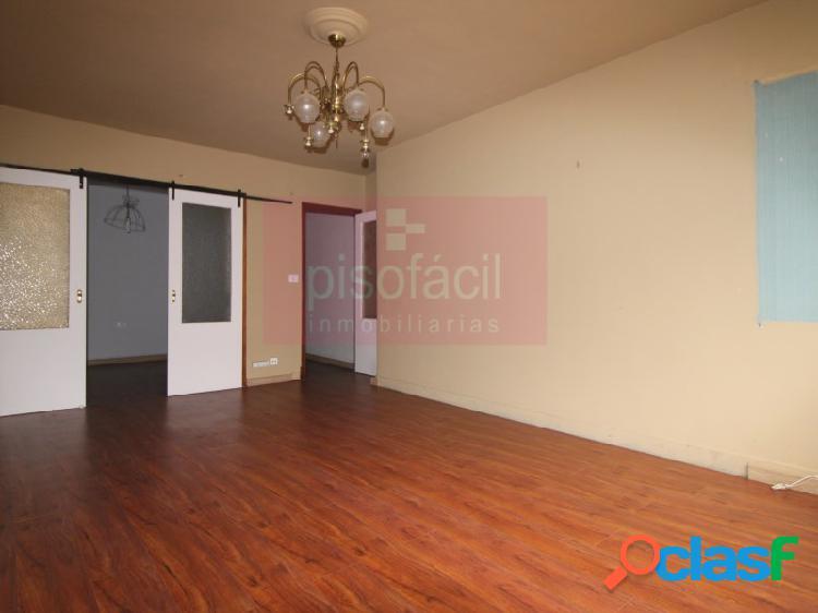Centro histórico de lugo, apartamento con ascensor y garaje