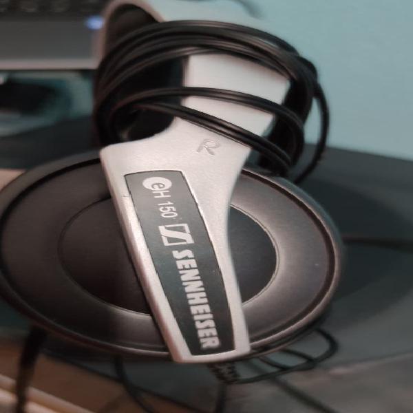 Se vende auriculares sennheiser eh 150 en perfecto
