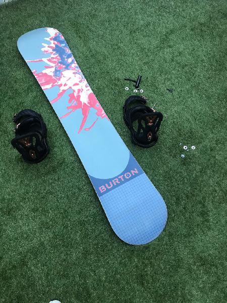 Tabla snowboard y fijaciones burton