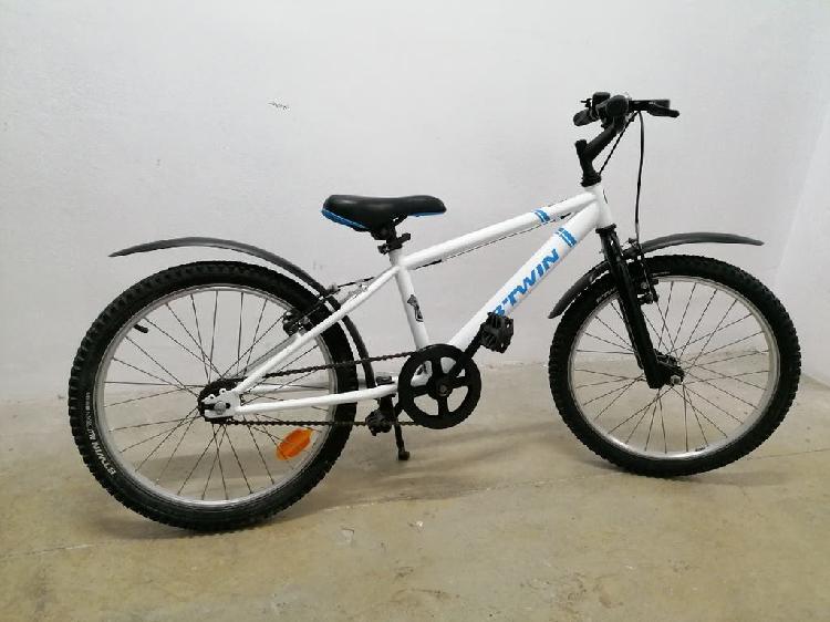 """Bicicleta btwin de 20"""" prácticamente nueva"""