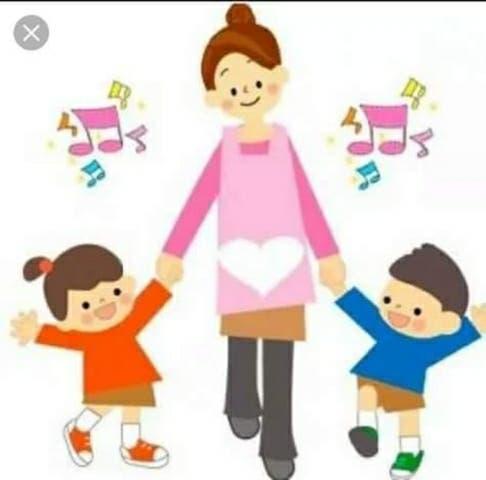 Cuidadora de niños, personas mayores y limpieza