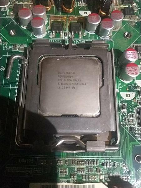 Pentium 4 con placa asus y con disipador