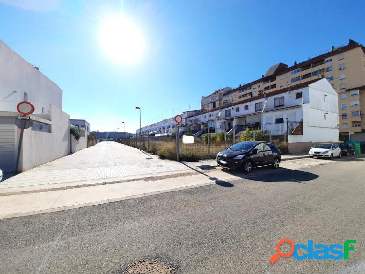 Sin ninguna comisión!! varias parcelas urbanas de 125 m2 incluyendo una chaflán por 110000 € que da a dos calles!!