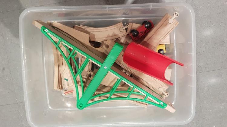 Tren de madera ikea