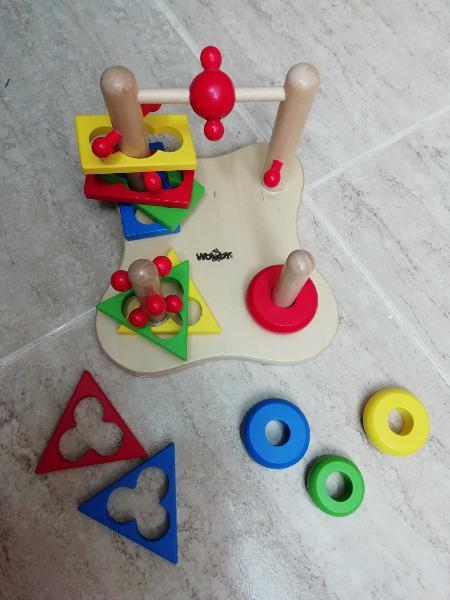 Laberinto madera, torre anillas y torre triangulos