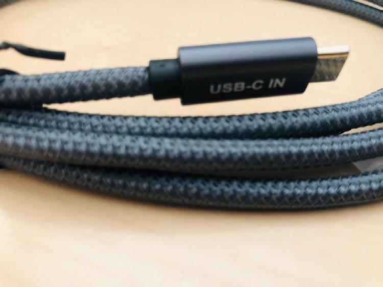 Cable usb c to mini displayport
