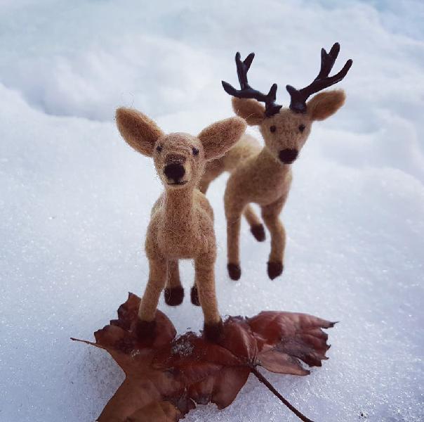 Pareja de ciervos en miniatura hechos a mano