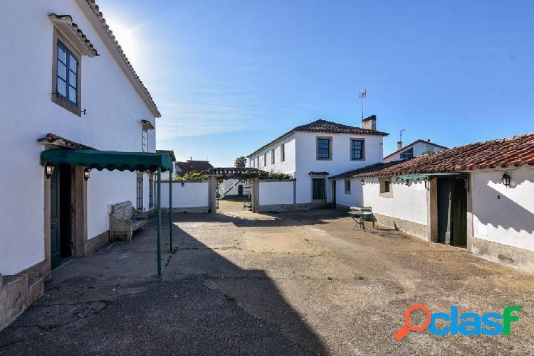 Casa singular del siglo xviii en lorbé, oleiros