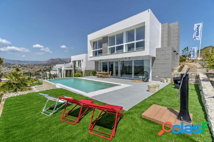 Villa moderna de nueva construccion amueblada con vistas al Mar en Balcon de Finestrat