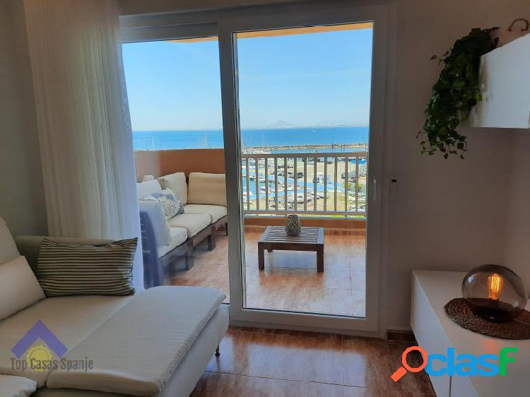 Appartement met eerste lijn zeezicht in la manga del mar menor