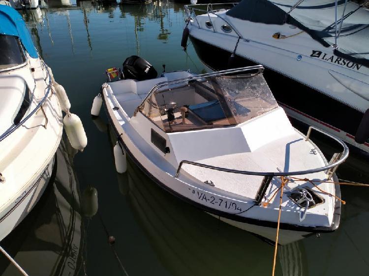Barco piraña 135