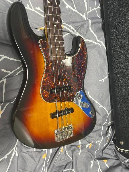 Bajo fender jazz bass ressiu 62 made japan