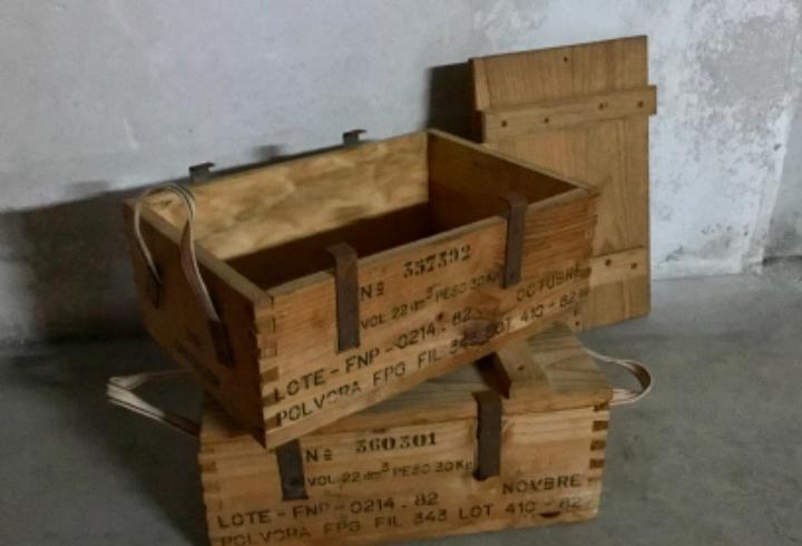 Caja pólvora. munición. militar. españa. madera.