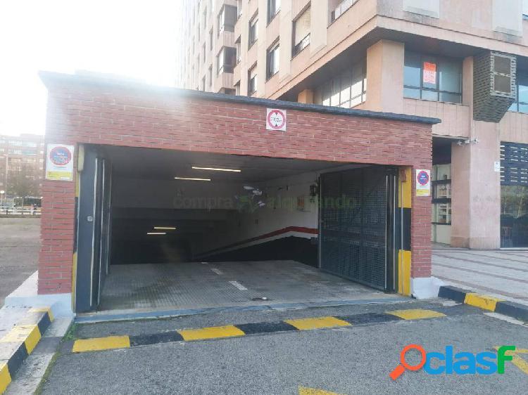 Plaza de aparcamiento en pio xii