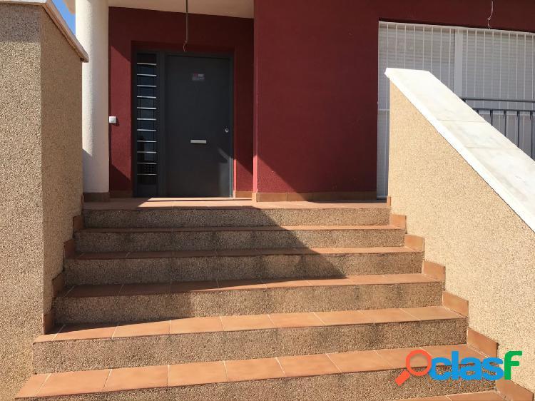 Chalet pareado con parcela y garaje independiente en urbanización los olivos junto altorreal