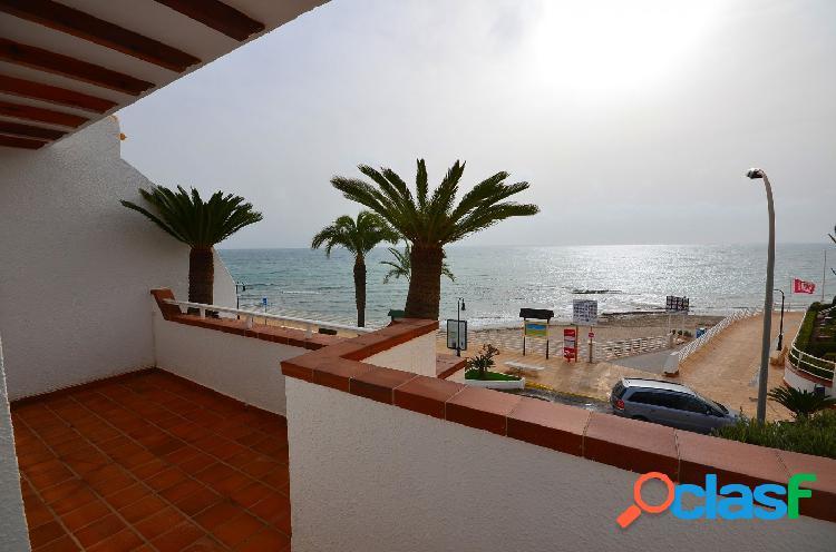 Villa primera linea de playa aguamarina. campoamor. garaje incluido