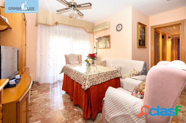 Piso de cuatro dormitorios, en la Chana, urbanización las Perlas. 3