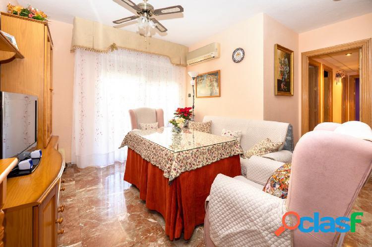 Piso de cuatro dormitorios, en la Chana, urbanización las Perlas. 1
