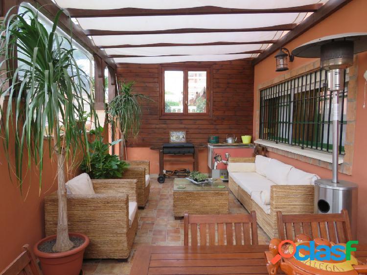 Casa pareada en inmejorable estado situada en montequinto