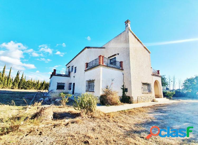 Fantástica villa rústica en el campello ideal para hotel rural.