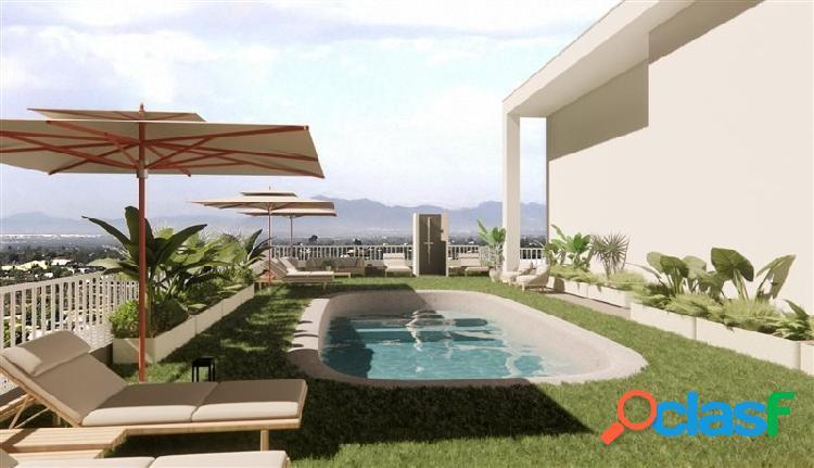 Piso de 4 dormitorios con piscina y buena terraza